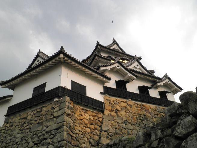 110430214 hikone castle.jpg