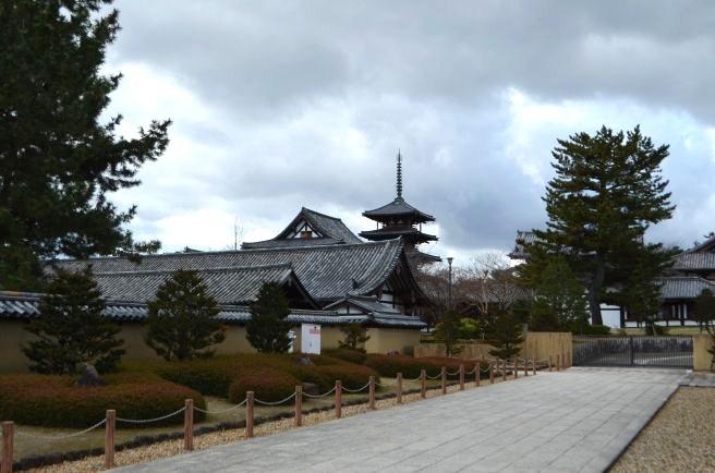 140209 2600W horyuji temple.jpg