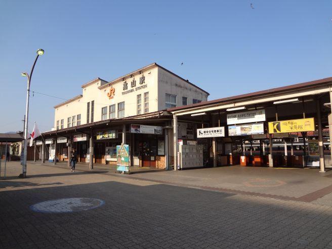 0101W 130504 takayama station.jpg