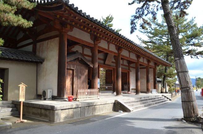 140209 2301W toshodaiji temple.jpg
