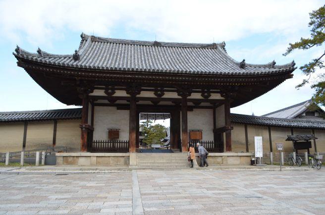 140209 2500W horyuji temple.jpg