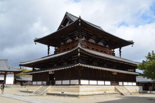 140209 2513W horyuji temple.jpg