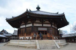 140209 2610S horyuji temple.jpg