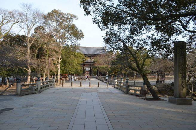 140210 3101W todaiji temple.jpg